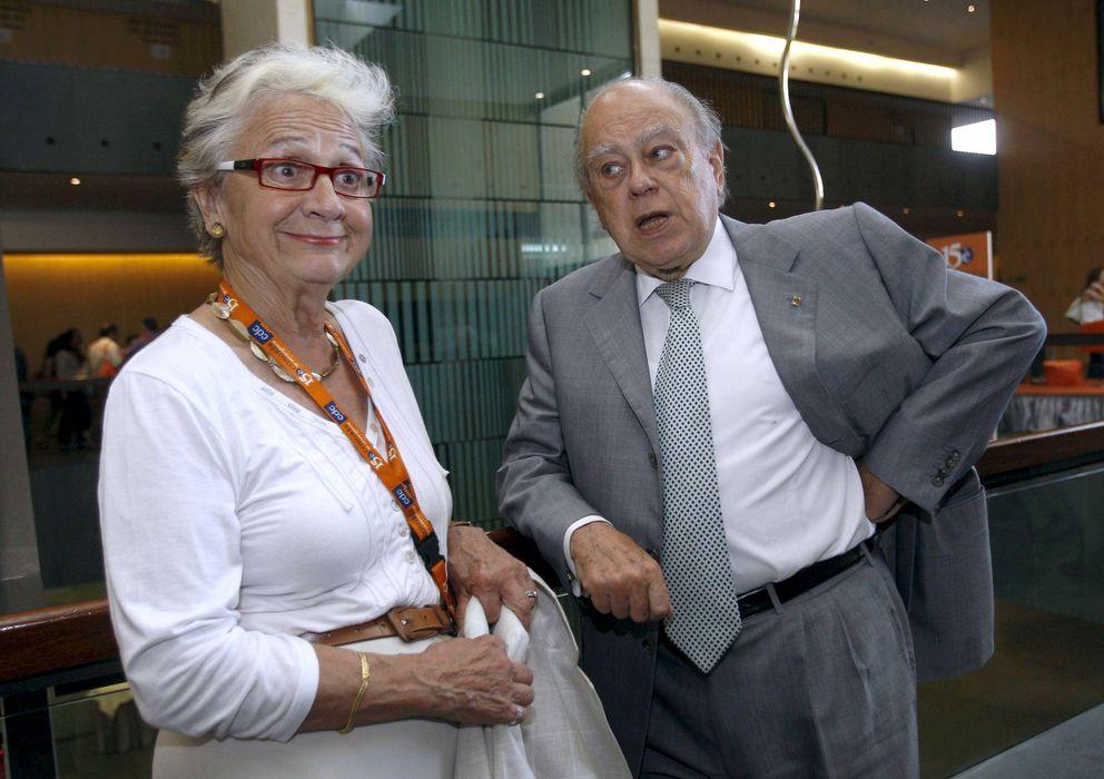 Foto: Marta Ferrusola, junto a su marido. (Efe)