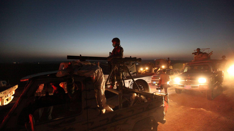 Milicianos peshmerga avanzan hacia el frente de Mosul, 'capital' del Califato en Irak, el 14 de agosto de 2016. (Reuters)