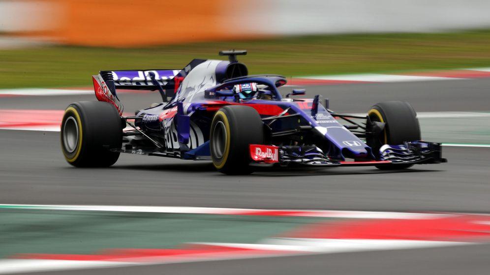 Foto: El Toro Rosso-Honda, en acción en el Circuit de Catalunya. (Reuters)