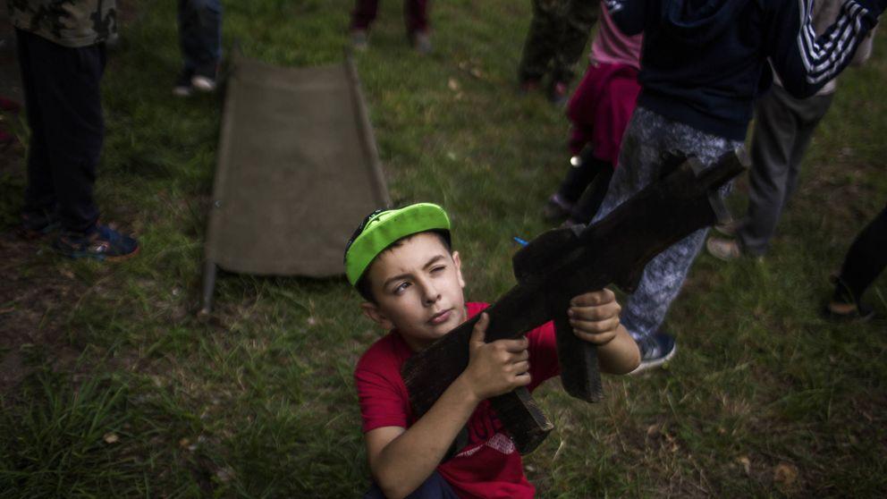 Niños de hierro: viaje a los campos donde militarizan a los menores de Ucrania