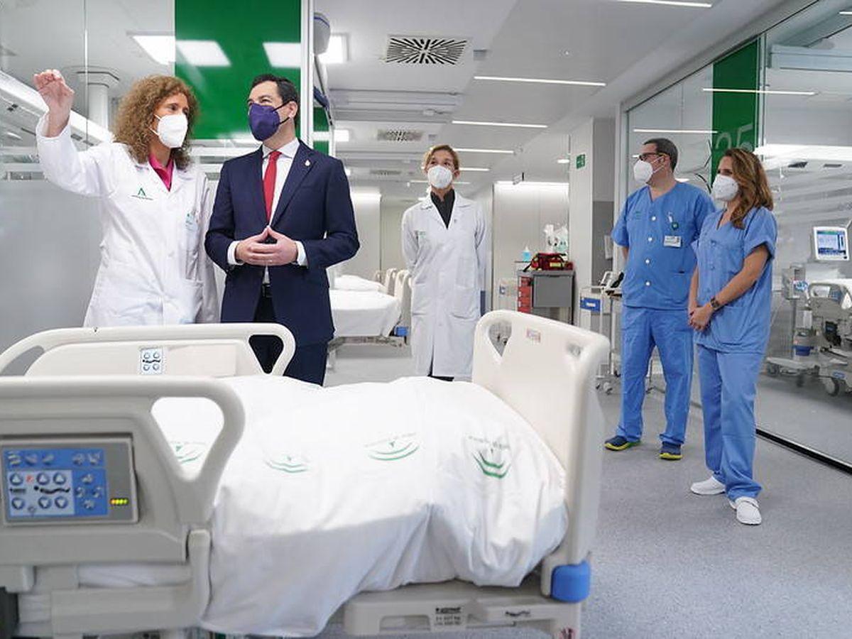 Foto: Juanma Moreno visita las instalaciones. (Junta de Andalucía)