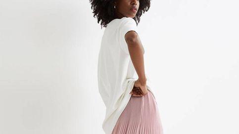 Faldas midi plisadas perfectas para el verano en Zara, Mango y H&M