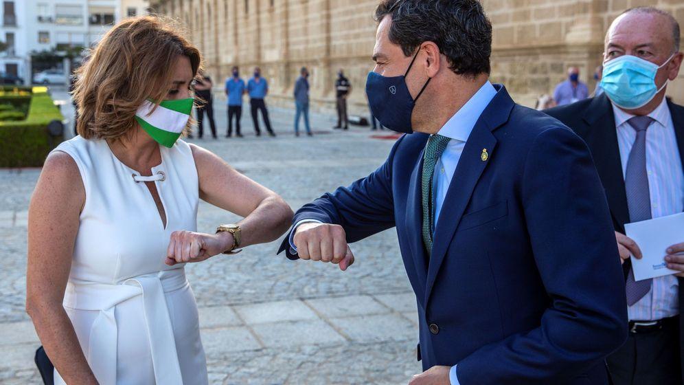 Foto: Susana Diaz y Juanma Moreno, el pasado 5 de julio, en las puertas de Parlamento de Andalucía. (EFE)