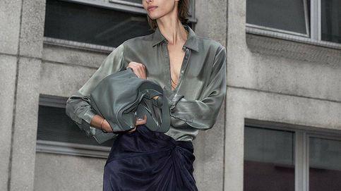La falda de Massimo Dutti que estiliza tus looks de noche ya tiene lista de espera