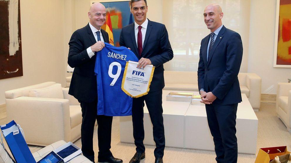 La FIFA propone a Pedro Sánchez que España acoja el Mundial 2030