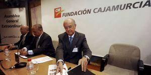 Caja Murcia gana poder en el nuevo SIP de Mare Nostrum y ficha a Luis de Guindos
