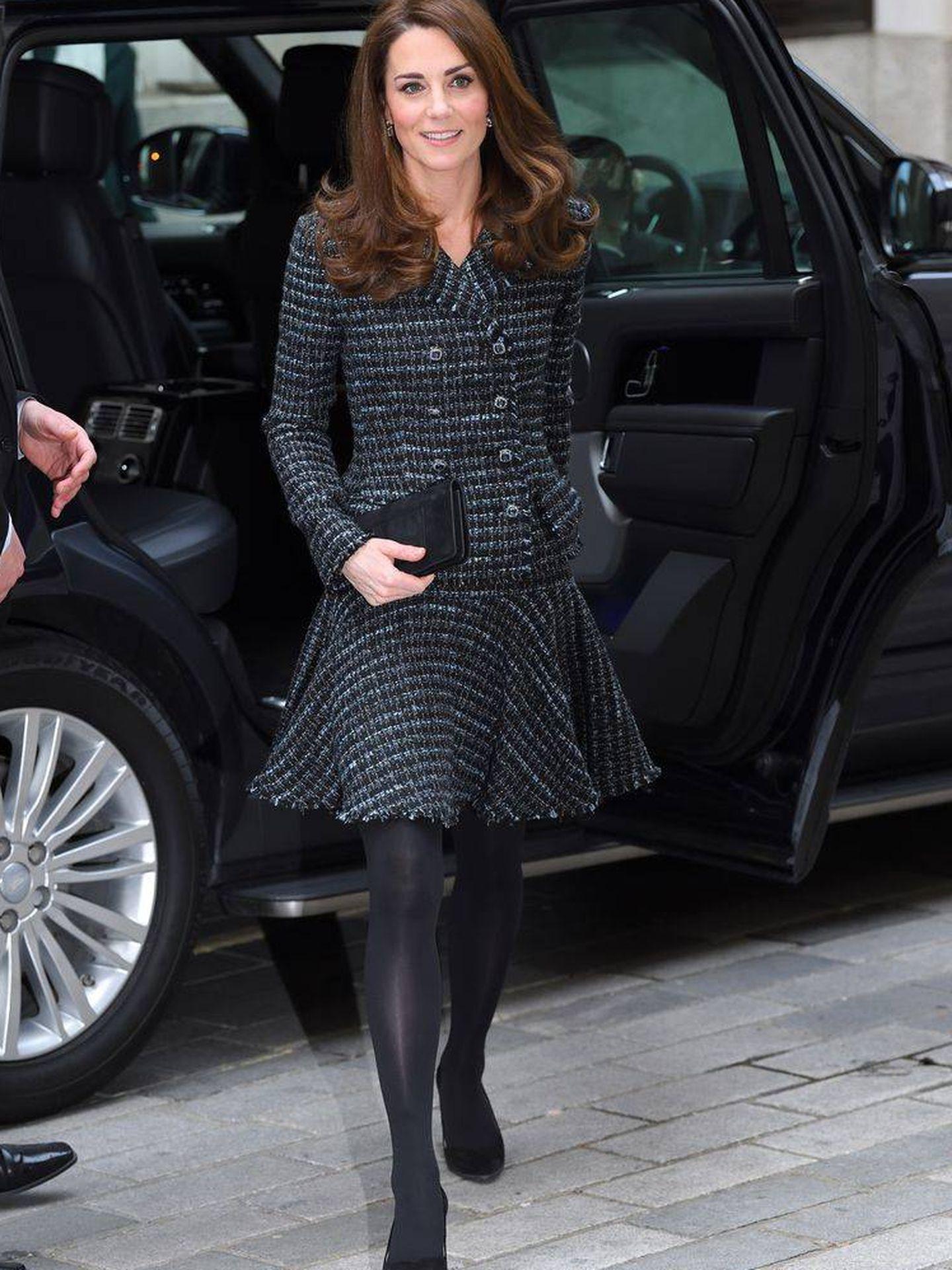 Kate Middleton con traje de falda. (Getty)