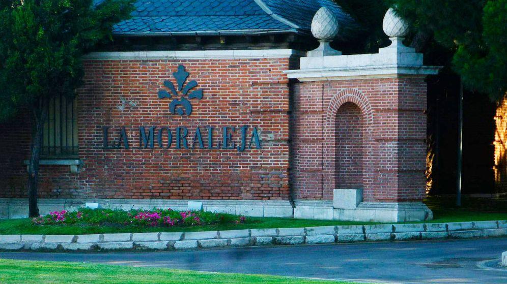 Foto: Entrada a la urbanización La Moraleja, en el municipio de Alcobendas.