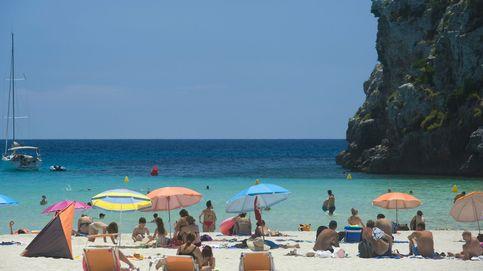 Pavor en una cala de Menorca por un remolino de viento de 20 metros