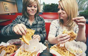 Es posible adelgazar comiendo grasa (si bebes zumo de pomelo)