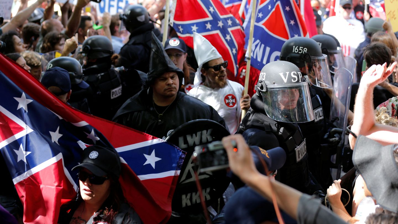 Miembros del Ku Klux Klan en Charlottesville, verano de 2017. (Reuters)