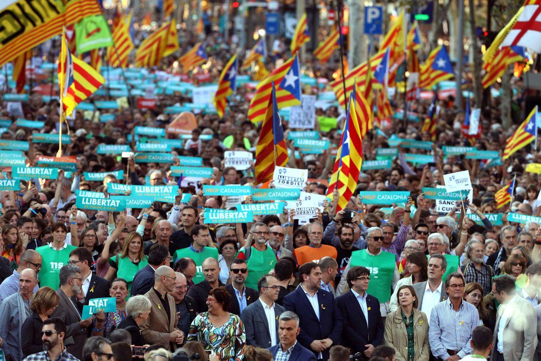 Vista de la manifestación convocada por la Mesa por la Democracia el pasado sábado. (EFE)