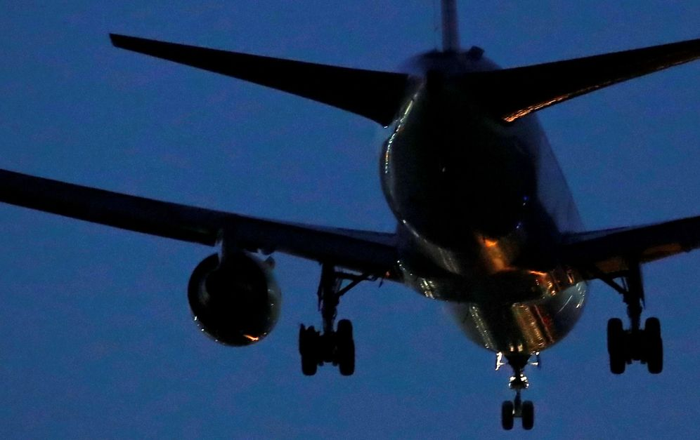 Foto: El avión de Air Canada, aterrizando en el aeropuerto de Madrid-Barajas. (Reuters)
