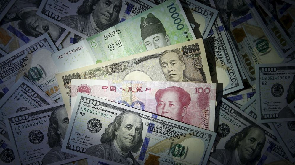 Foto: Imagen de billetes de dólar, yuan, won surcoreano y yen japónes. (Reuters)