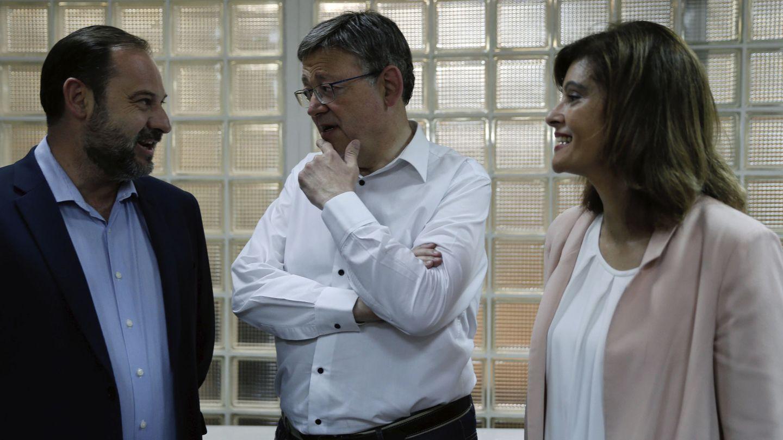 José Luis Ábalos, Ximo Puig y la diputada del PSPV-PSOE por Valencia Ana Botella. (EFE)