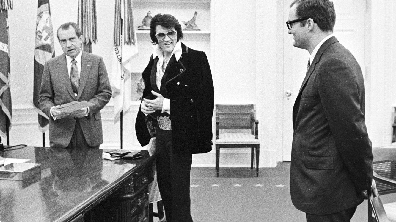Elvis Presley y Richard Nixon. (Getty)