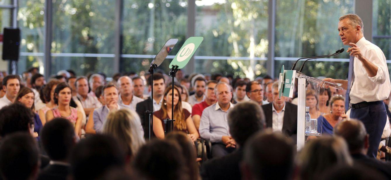 Foto: Iñigo Urkullu, lendakari y candidato a la reelección por el PNV, el pasado 5 de septiembre en un acto con militantes y simpatizantes en Bilbao. (EFE)