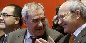 Los críticos del PSC no encuentran un candidato que haga temblar a Montilla