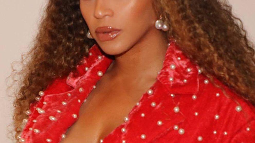 Beyoncé vestida de María Escoté o cómo convertirse en la obsesión de las masas