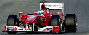 Alonso se disputa con la lluvia el protagonismo en Jerez