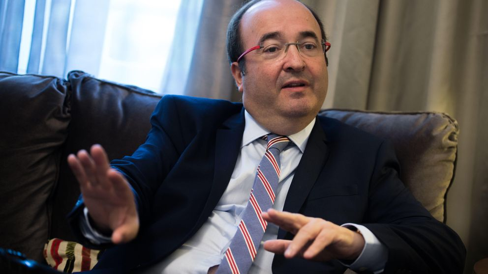 Iceta copia el discurso de Iglesias: pide el voto para sustitutir a Mariano Rajoy