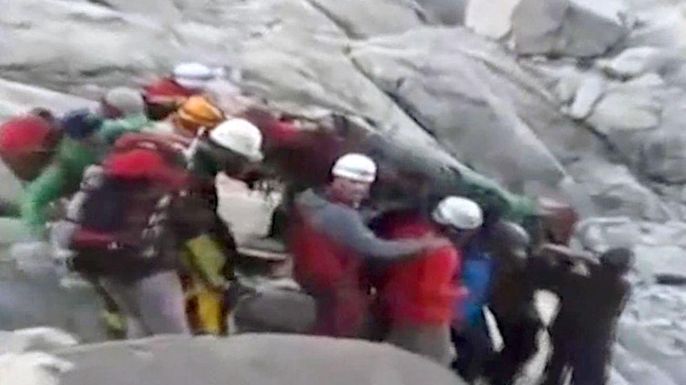 Foto: Imágenes de televisión de uno de los tres montañeros españoles que junto a su guía peruano murieron este fin de semana. (EFE)