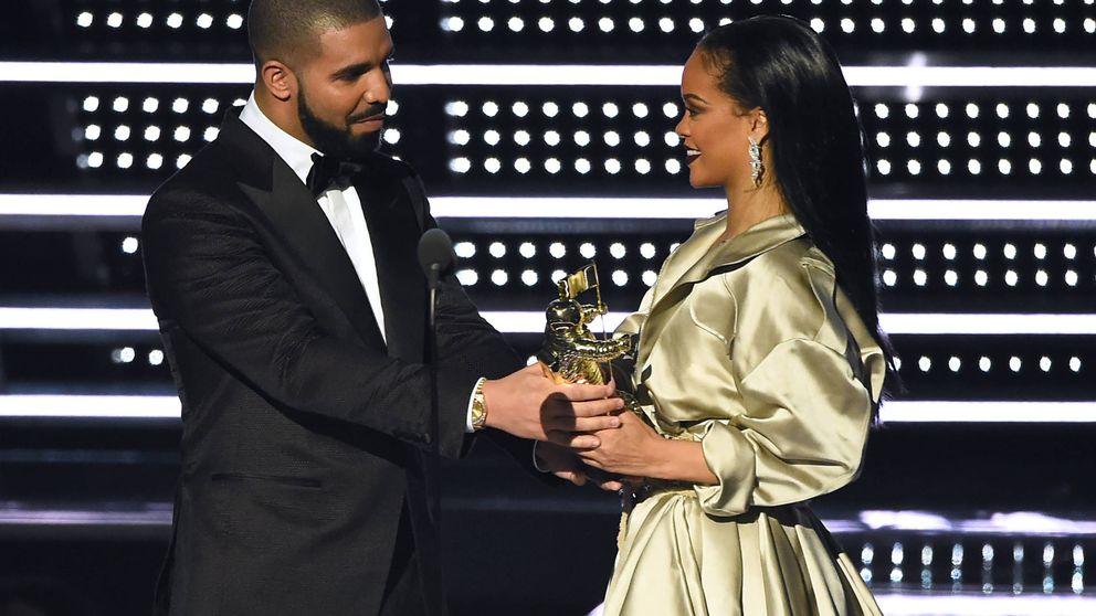 La cobra de Rihanna a Drake en los premios MTV