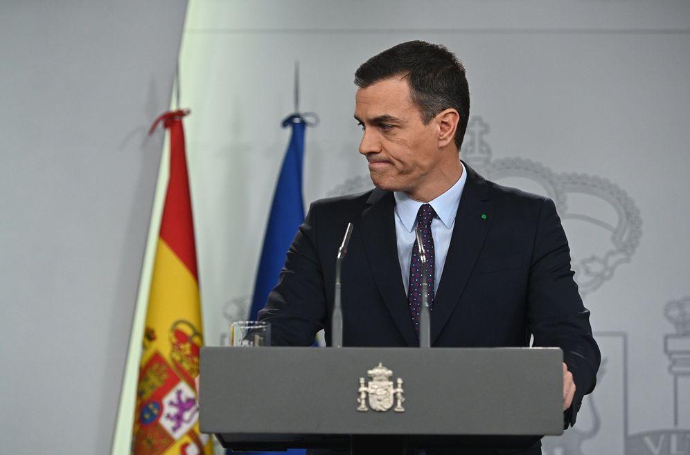 Foto: Pedro Sánchez, el pasado 11 de diciembre en la Moncloa, tras recibir el encargo del Rey. (EFE)