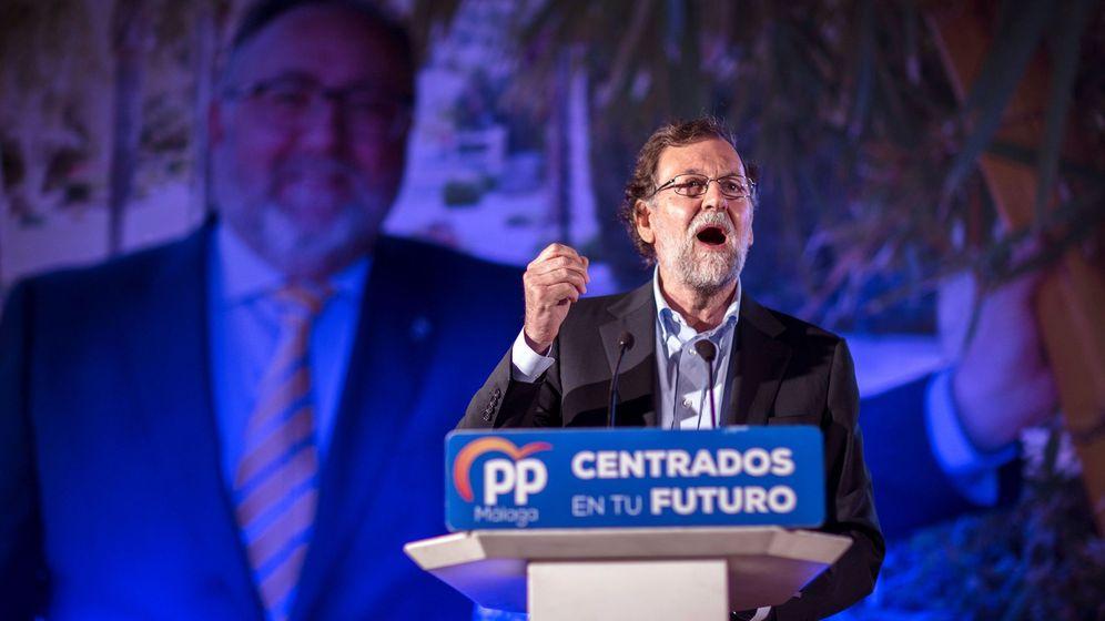Foto: Mariano Rajoy, esta noche, en Alhaurín de la Torre (Málaga) (EFE).