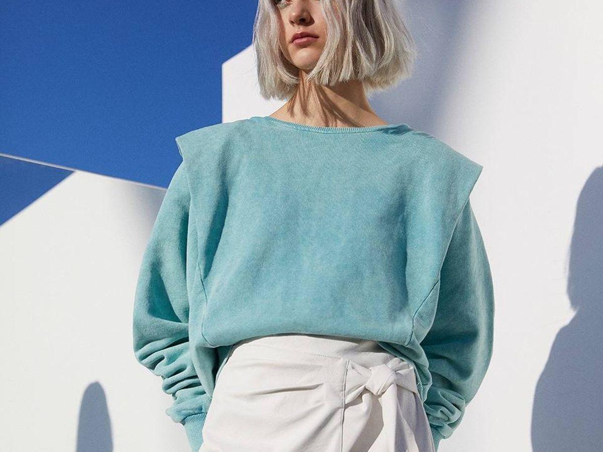 Foto: Descubre cómo es la nueva falda de Pull and Bear. (Cortesía)