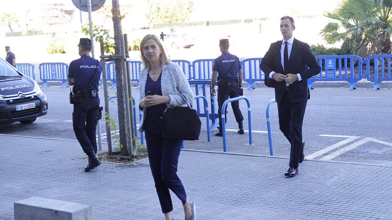 Foto: La infanta Cristina a su llegada (Gtres)