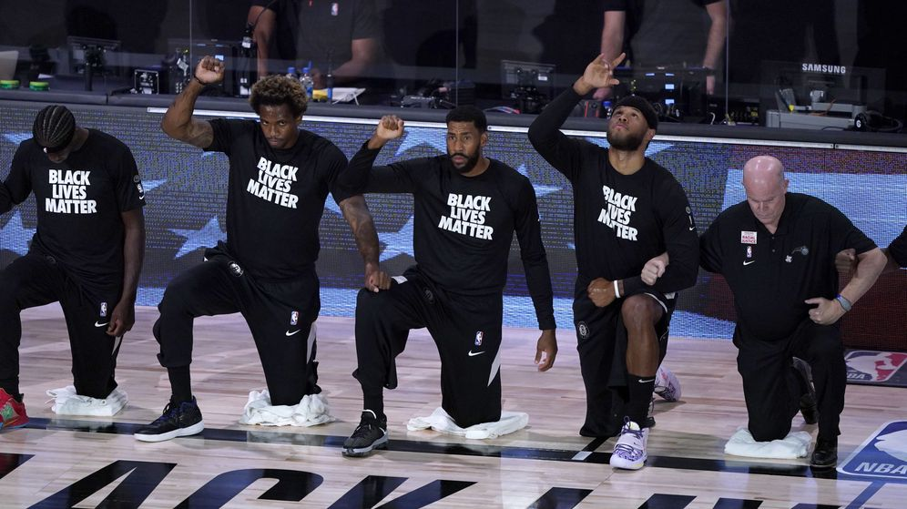 Foto: Jugadores de Nets, durante una protesta. (Reuters)