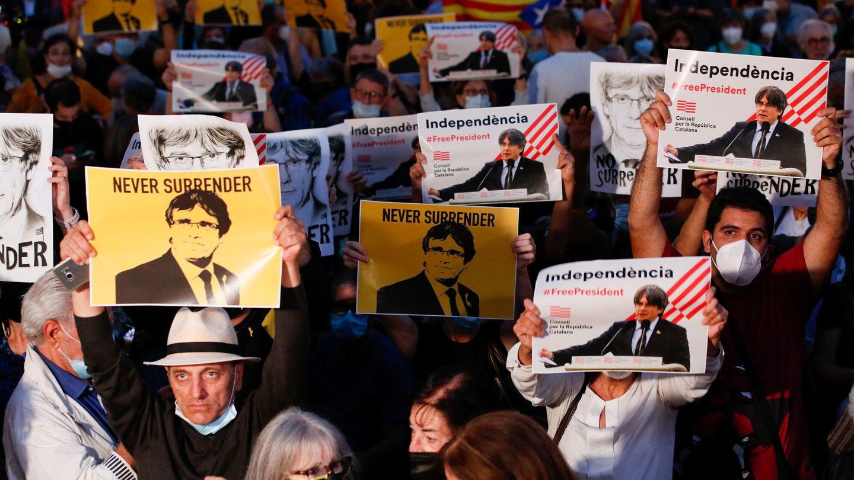 Una protesta a favor de la liberación de Puigdemont. (Reuters)