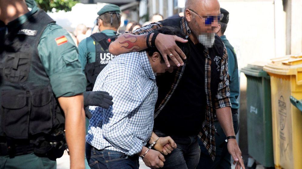 Foto: Llega al juzgado el autor confeso del triple crimen. (EFE)