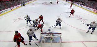 Post de Mete uno de los mejores goles de cabeza de la temporada... en un partido de NHL