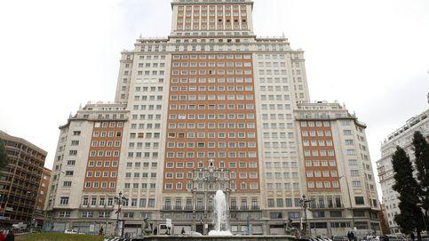 Carmena avala a RIU en su guerra con Baraka: la obra del Edificio España es segura