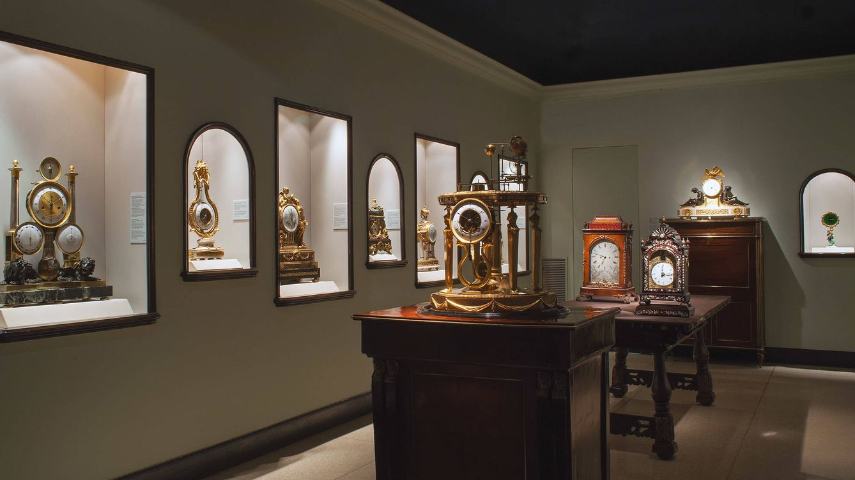 Foto: Jorge Diezma realiza una exposición especialmente pensada para el Museo del Reloj Antiguo de Grassy, organizada por la Galería Espacio Valverde.