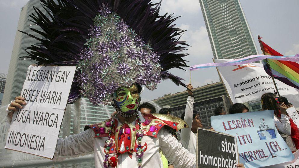 Los 'noodles' con leche vuelven gay a tu bebé: bulos homófobos de Indonesia