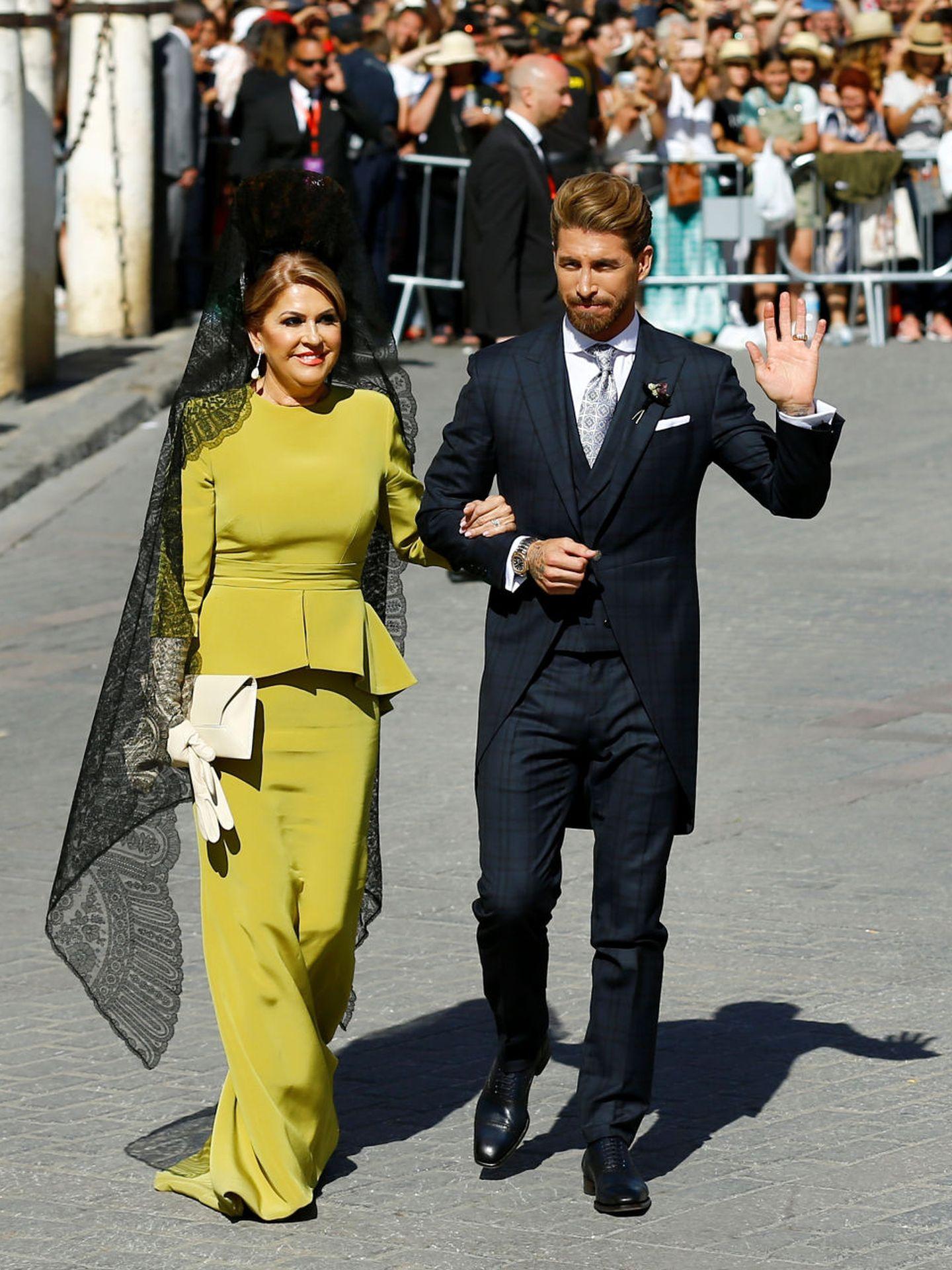 Sergio Ramos y su madre, Paqui García. (Reuters)