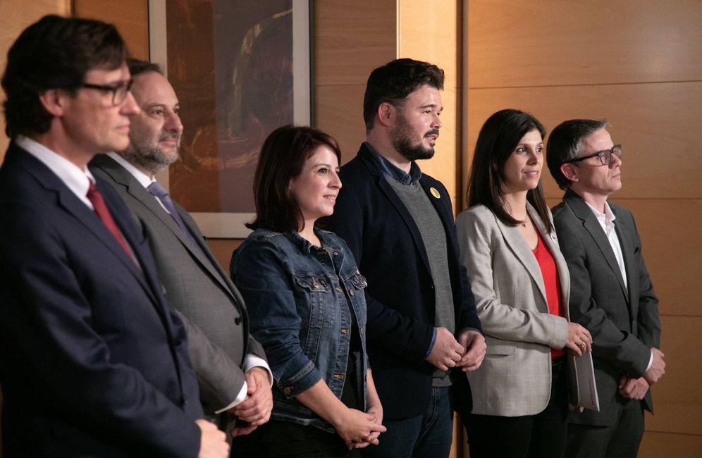 Foto: Salvador Illa, José Luis Ábalos, Adriana Lastra, Gabriel Rufián, Marta Vilalta y Josep Maria Jové, el pasado 28 de noviembre en el Congreso. (PSOE)