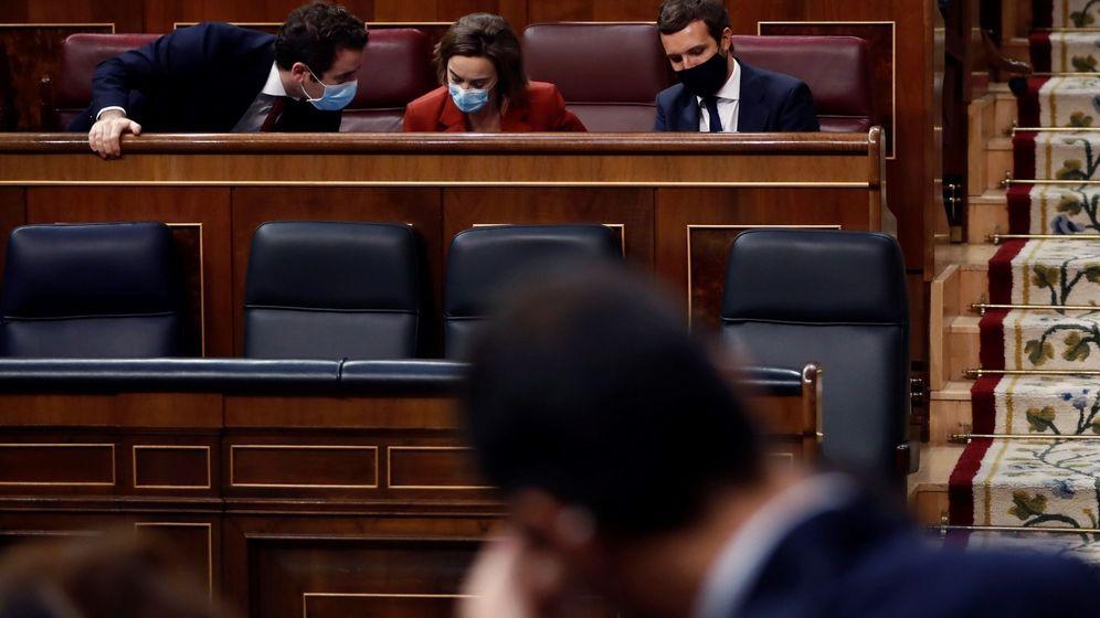 Foto: Pablo Casado, en su escaño del Congreso. (EFE)
