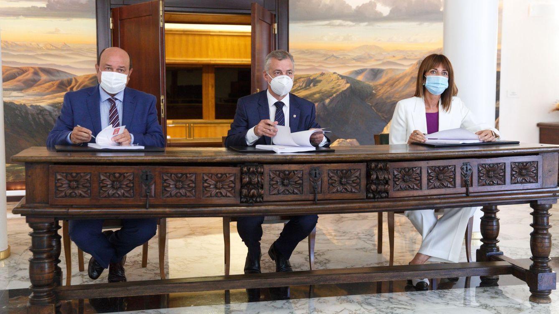 PNV y PSE dejan fuera de su pacto la reforma del Estatuto vasco y queda en vía muerta