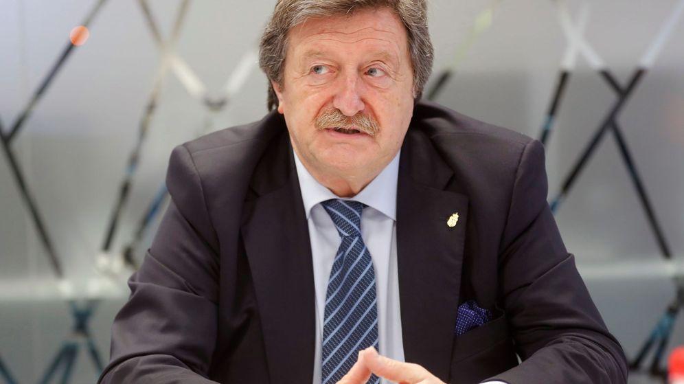 Foto: Juan Luis Larrea, tesorero en la presidencia de Villa, aspira a sucederlo como máximo mandatario de la RFEF. (EFE)