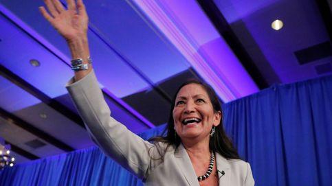 Biden elige a Deb Haaland para Interior, la primera nativa americana en ocupar el cargo