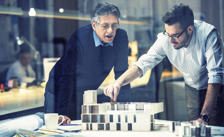 Foto: Los grados de arquitectura o ingeniería son una buena opción. (iStock)