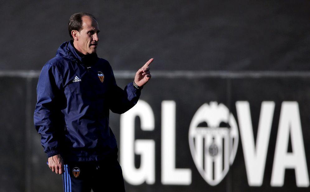 Foto: En la imagen, Voro durante un entrenamiento del Valencia. (EFE)