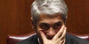 """Sócrates avisa de que si Portugal cae aumentarán los riesgos para """"otros países"""""""
