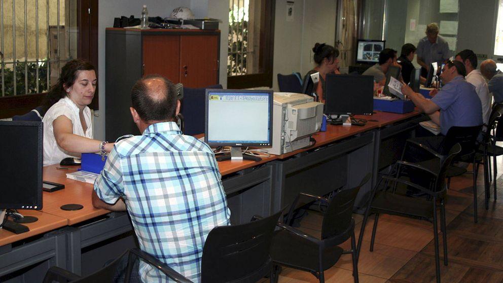 Hacienda el colapso en las oficinas del dni se agrava por los ordenadores que no funcionan - Oficina hacienda madrid ...