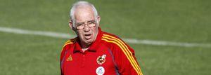 La selección jugará ante Grecia en un terreno de juego lamentable y con un alto riesgo de lesiones