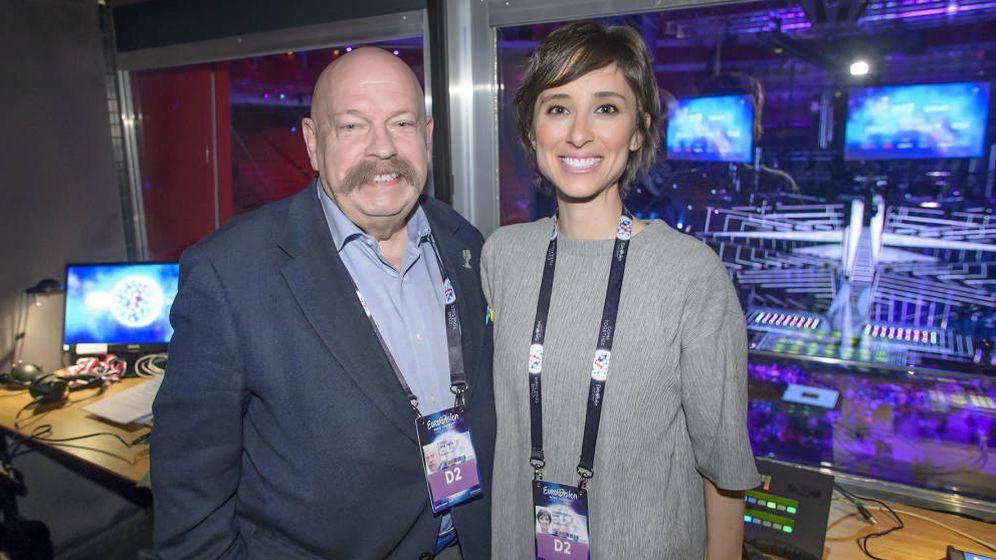 Foto: José María Íñigo y Julia Varela, en el Festival de Eurovisión de 2016 en Estocolmo. (RTVE)